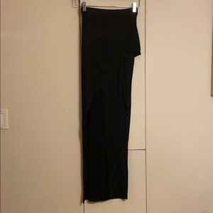 Tobi Black Long skirt with bow on the side